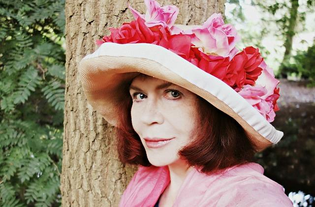 dáma v růžovém