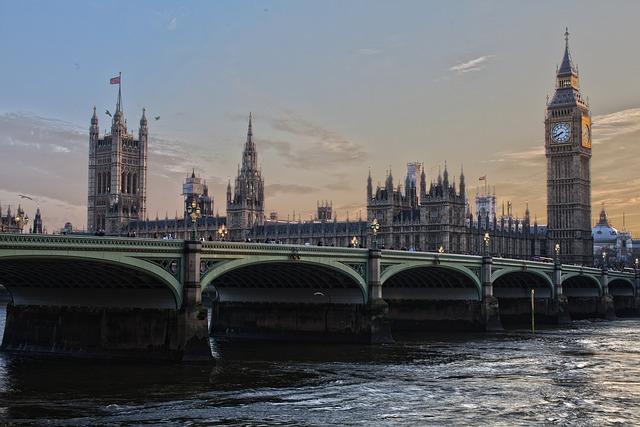 londýn parlament.jpg