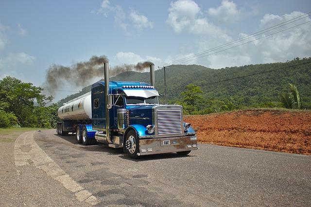 Kamionová cisterna v Americe