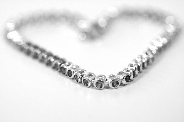 náhrdelním svarowski
