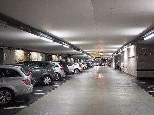 parkování v garážích